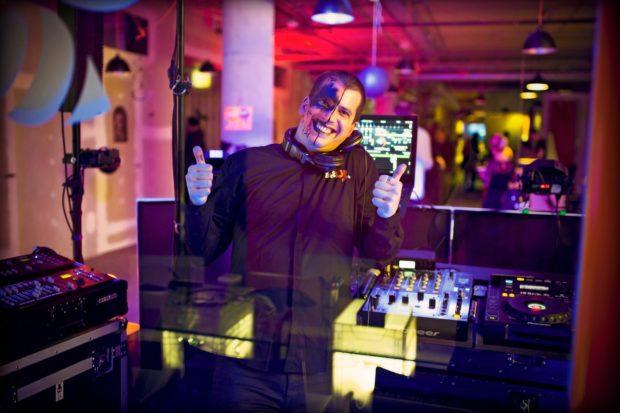 DJ vystoupení na tematické party