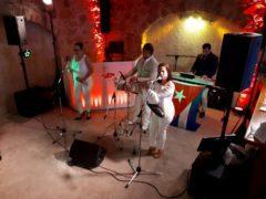 Částečná či plná zvukařská podpora, pro svatební kapelu.