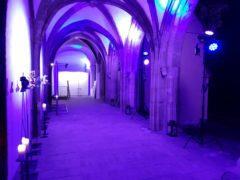 Nasvícení klenby kláštera na firemní akci.