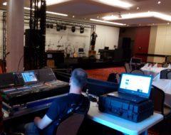 Práce profesionálního zvukaře, včetně kompletní technické režie.