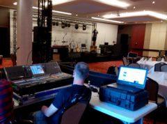Plná zvukařská asistence, včetně technického odbavení a práce našeho profi zvukaře.