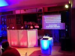 Stovky karaoke klipů ve vlastní databázi.