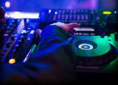 Jsem multižánrový DJ na tematickou akci a naservíruji Vám jen to nejlepší.