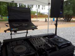 DJ technika Pioneer, pro práci DJe.