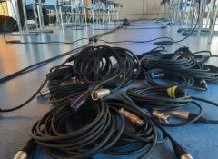 potřebná propojovací kabeláž