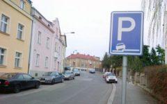 volné parkování, bez dalších poplatků